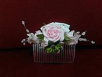 Гребешок в голову из цветов розовый с белым