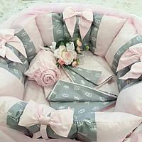 Бортики- защита в кроватку + комплект постельного белья