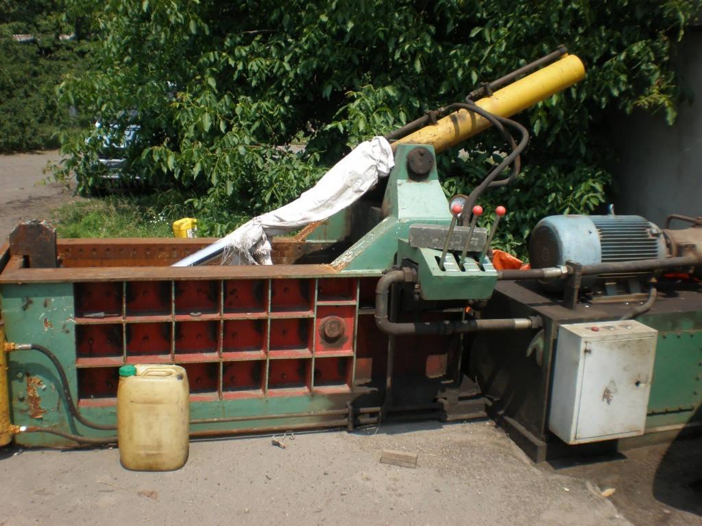 Пресс для пакетирования лома металлов Y81Q-135
