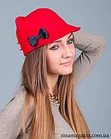 Шляпка с ушками и бантиком (красная)