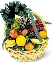 """Корзина из фруктов """" Сладкий сюрприз """""""