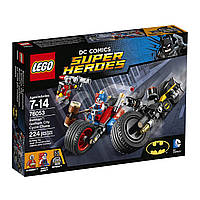 Конструктор LEGO Super Heroes Бэтмен: Погоня на мотоциклах по Готэм-сити 76053 (224 дет)