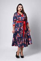 Модное платье из принтованого микро дайвинга с атласным поясом красно-синее   50-54, фото 1