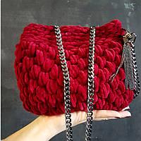 Женская маленькая сумочка на цепочке. Рубинового цвета
