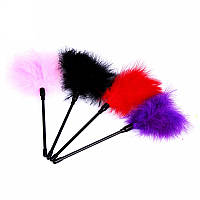 Стек с перьями Playful Tickler 22см