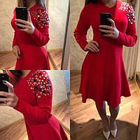 Платье красное с камнями на плече