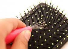 Как чистить расчёски для волос?