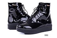 Женские ботинки лаковые черные 880