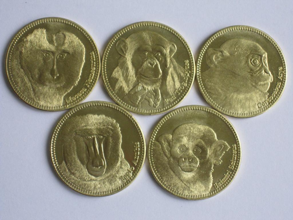 Сомалиленд 5 шиллингов 2017 обезьяны 5 монет.