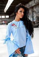 Жіноча голуба блузка з вишивкою та оригінальними рукавами Fibi