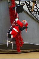 Новогодняя фигурка Санта Клаус 20 см на лестнице