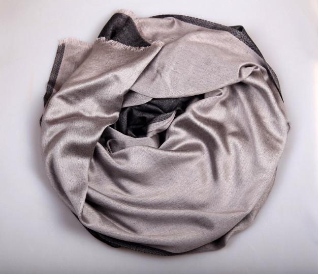 Шарф двухсторонний из шерсти/шелка платина Chadrin