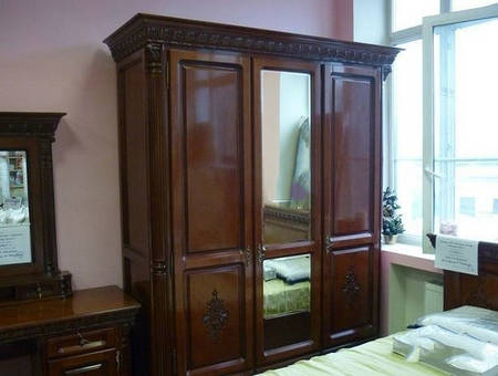 Шкаф 3 - х двер.(центральная дверь с зеркалом) Venetia Lux