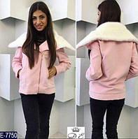 Короткое женское пальто из Турецкого кашемира с меховым воротником светло-розового цвета.  Арт - 18407