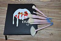 Кисти для макияжа Kylie в мягком пенале (14 предметов) - ЧЕРНЫЙ