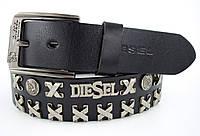 Мужской кожаный кежуал ремень Diesel с заклепками под джинсы или брюки  в черном цвете (11253)