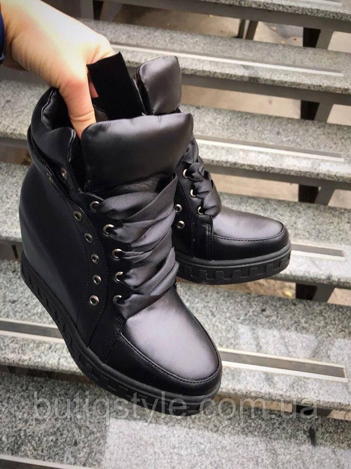 40 размер! Зимние женские ботинки-сникерсы на танкетке, внутри набивная шерсть