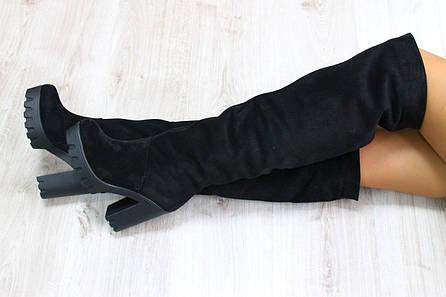 Зимние натуральные замшевые сапоги-ботфорты на удобном каблуке черные