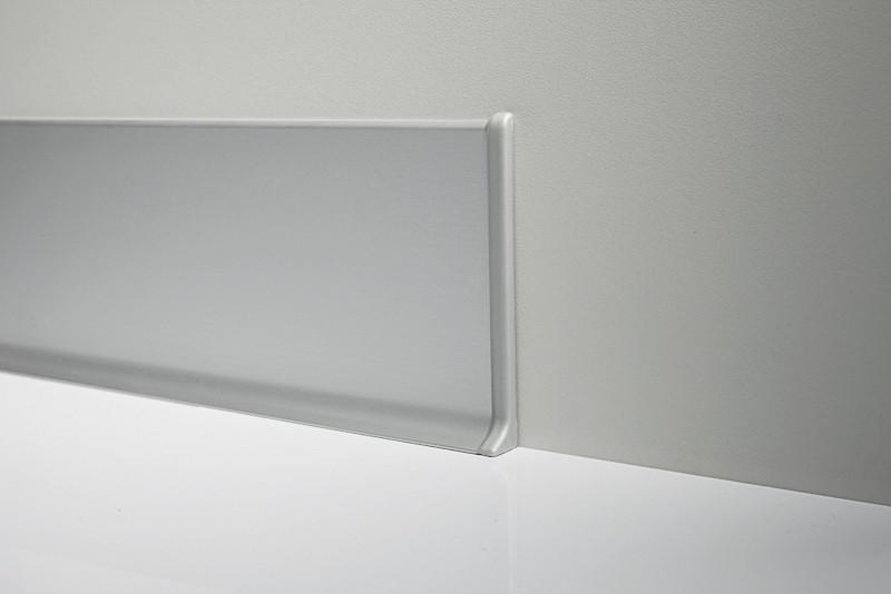 Металлический плинтус Profilpas Metal Line 90/6 анодироованный алюминий, серебро 10*60*2000 мм.