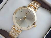Кварцевые наручные часы Michael Kors золотого цвета с метками, фото 1