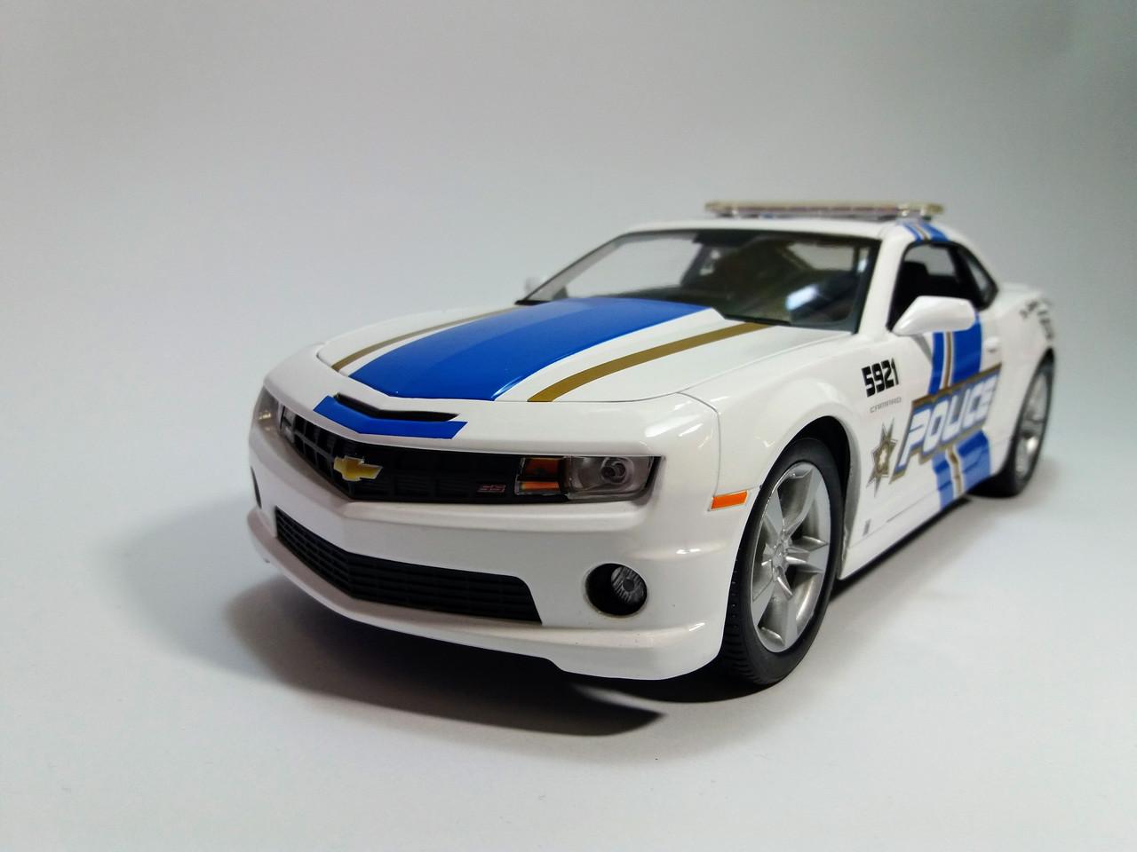 Автомодель (1:18) Chevrolet Camaro SS RS 2010 MAISTO 31161  белый