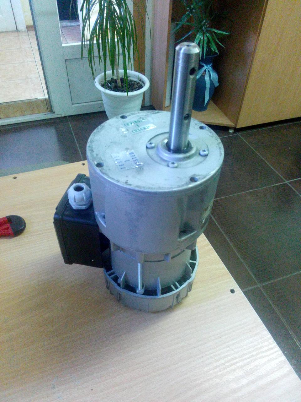 Мотор-редуктор мешалки  охладителя молока R245M6B