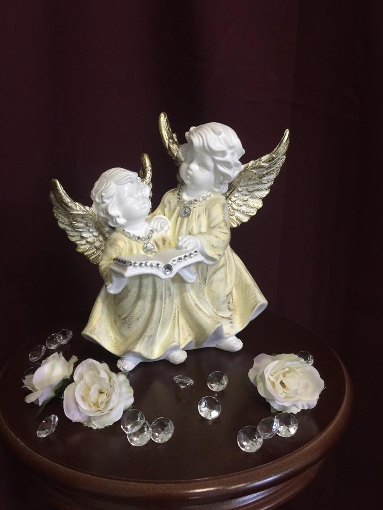 Ангел Пара с книгой, пастель