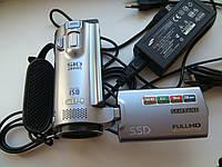 Видеокамера Samsung HMX-H204BP FullHD 16Gb своей памяти 20xZOOM.оптика Schneider Kreuznach.