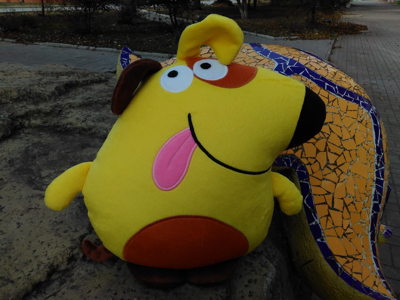 Мягкая игрушка - подушка желтая собака ручная работа