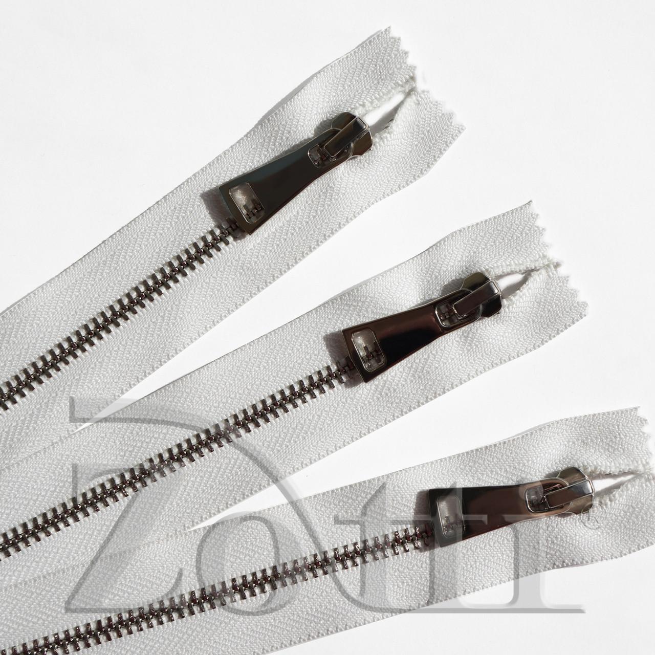 Молния (змейка,застежка) металлическая №5, размерная, обувная, белая, с серебряным бегунком № 115 - 18 см