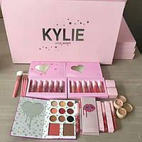 Подарочный набор для макияжа Kylie (Розовый) (реплика)