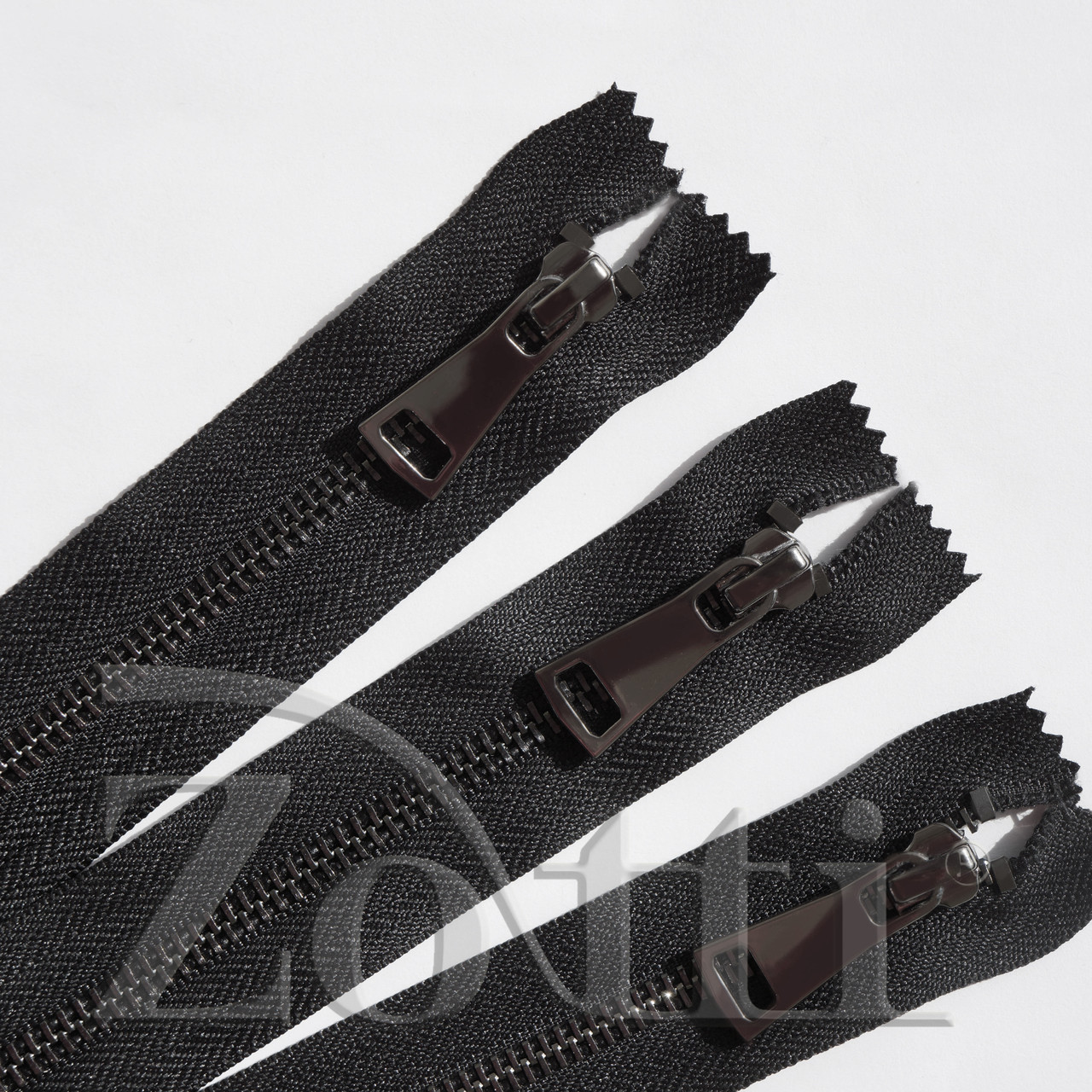 Молния (змейка,застежка) металлическая №5, размерная, обувная, черная, с темным бегунком № 115 - 20 см