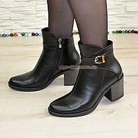 Ботинки демисезонные женские на устойчивом каблуке, натуральная черная кожа.