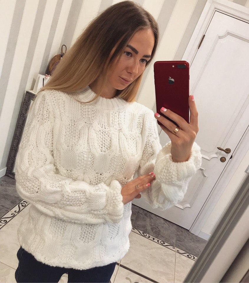 Очень теплый женский свитер белый