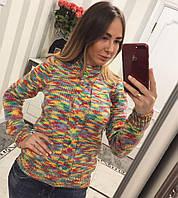 Красивый женский свитер оригинальной расцветки