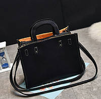 Женская сумка черная с яркой подкладкой