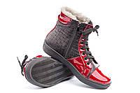 Зимние ботинки красный лак