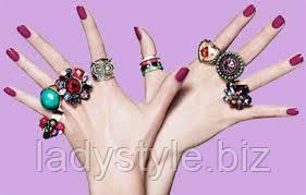 На каком пальце носят кольца....