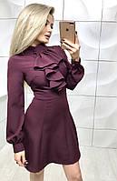 Женское платье бордового цвета