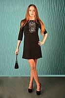Платье трикотажное с вышивкой