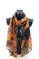 Коричневый шарф с ярким принтом