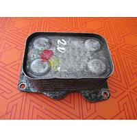 Масляный радиатор для Fiat Scudo 2.0 Multijet. Теплообменник, охладитель масла на Фиат Скудо 2.0 мультиджет.