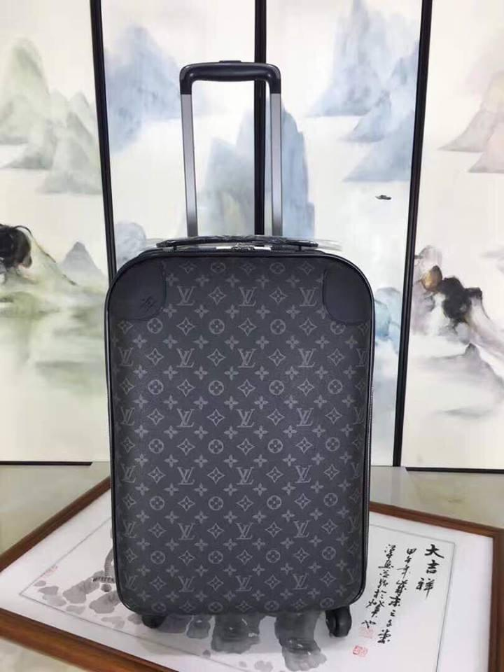 Чемодан багаж на колесах Louis Vuitton