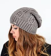 Вязанная женская шапка с узором
