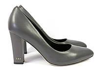 Классические туфли на устойчивом каблуке серого цвета, фото 1
