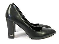 Классические туфли на устойчивом каблуке черного цвета, фото 1