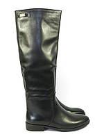 Кожаные сапоги на низком каблуке черные