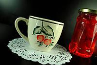 Чашка с вишенкой