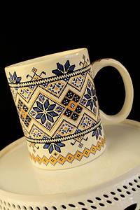 Чашка Вышиванка, бело-синяя