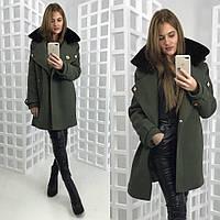 Зимнее шерстяное пальто хаки с шевронами и мехом на воротнике